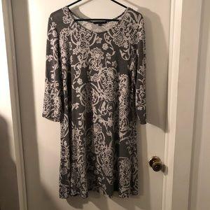 🎄Tiana B. Grey Floral Swing Dress Size 12